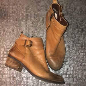 Vince Camuto Beamer Ankle Booties